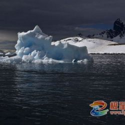 闻克峰:南极12团